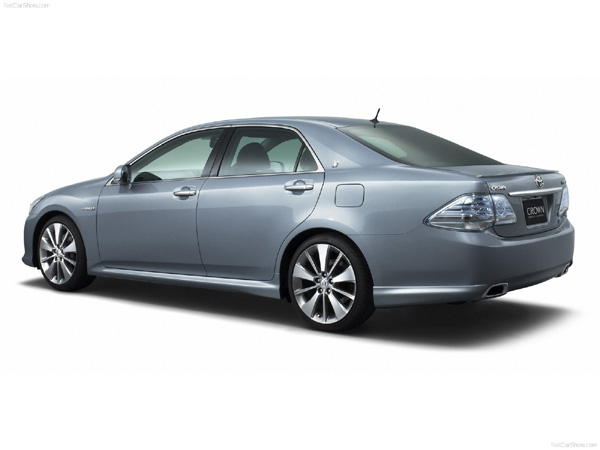 2011 toyota crown hybrid - photo #22